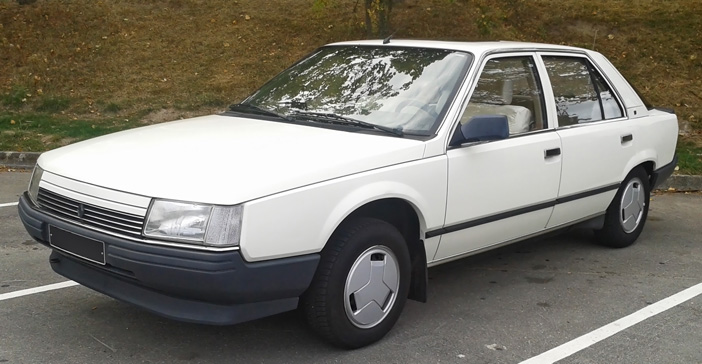 1983 Renault 25 TS front