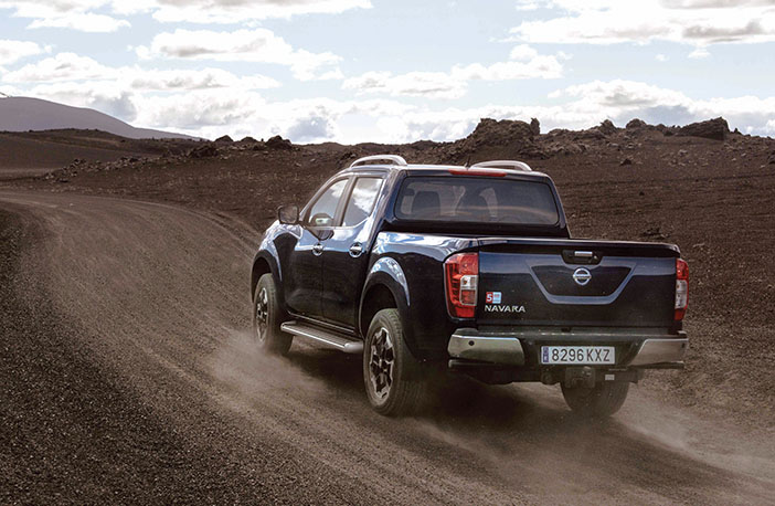 Nissan Navara Double Cab Blue Iceland Dynamic Offroad 7