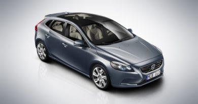Volvo v40 052012 1